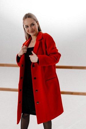 Пальто в красном цвете