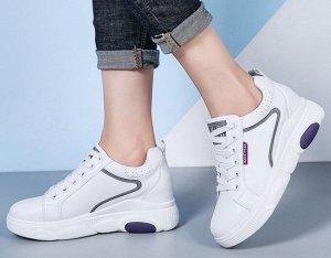 Кроссовки женские, фиолетовые вставки, цвет белый