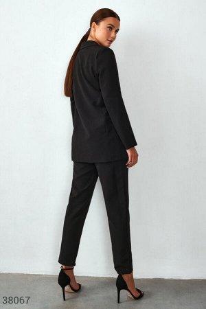 Классический костюм с брюками