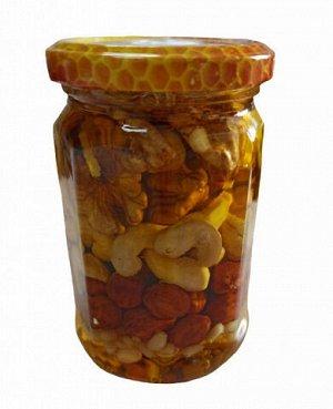 Ассорти орехов в меду 300 мл.