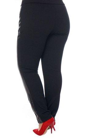 Брюки-4314 Модель брюк: Зауженные; Материал: Трикотаж, искусственная кожа;   Фасон: Брюки; Параметры модели: Рост 173 см, Размер 54 Брюки с боковой кожаной вставкой черные Однотонные брюки-стрейч выпо