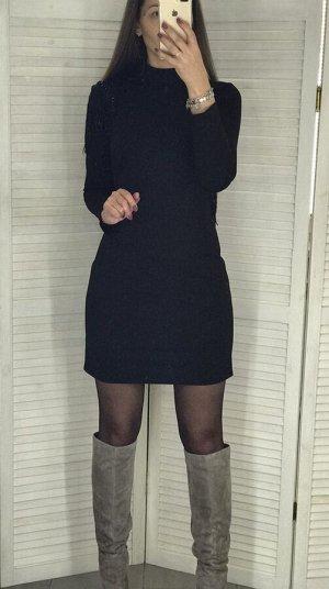 Платье Очень красиво вечернее платье. Для Нового Года просто СУПЕР! Для девочек ростом до 170см. Спинка открытая, украшена пайетками. Также пайетками украшено одно плечо. Смотрите доп. фото. Рост моде