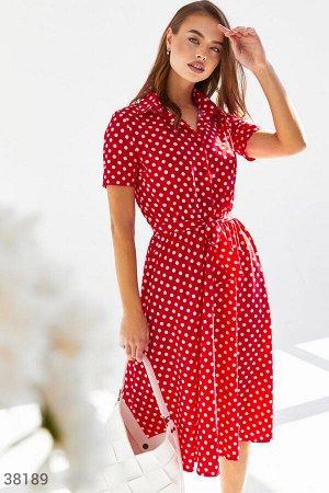 Красное платье рубашечного кроя