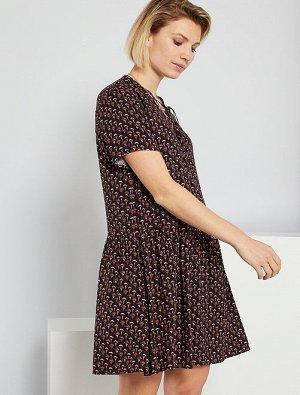 Короткое платье с рисунком