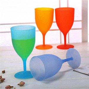 Набор пластиковых бокалов