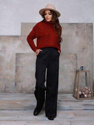 Бордовый вязаный свитер с воротником-гольфом