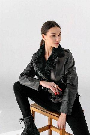 Куртка-косуха с отделкой из меха козлика