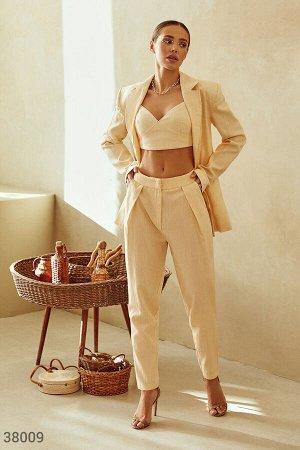 Легкие брюки желтого оттенка