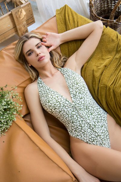 Классика всегда в моде!Костюмы, сорочки!СВАДЬБА, ВЫПУСКНОЙ! — Купальники и пляжная одежда для женщин — Купальники