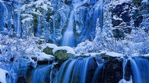 Алмазная живопись - мозаика Зимний водопад