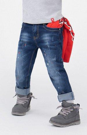 Джинсы Состав: 70% хлопок, 28% полиэстер, 2% эластан  Цвет: синий  Год: 2021 Джинсы для мальчика PlayToday – основа повседневного гардероба.  Модель свободного силуэта с высокой посадкой. Застежка: мо