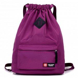 Рюкзак Универсальный рюкзак-мешок, с затягивающимися лямками, выполнен  из водоотталкивающей ткани, подкладка - из прочного шелковистого материала. Надежные лямки выполнены из плотной стропы, что позв
