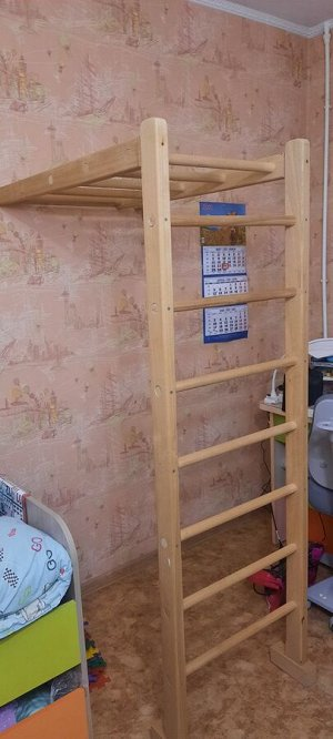 деревянная стенка/лестница