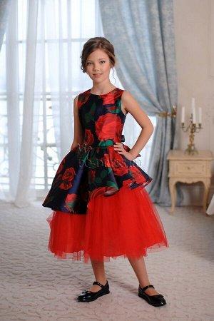 Платье Нарядное платье ассиметричного силуэта с пышным многослойным подъюбником. Платье сшито из плотного прокатного атласа с цветочным принтом, сетки, тонкого атласа в подъюбнике. Сзади платье завязы
