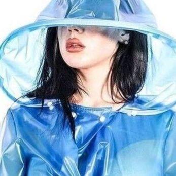Зеркало для нанесения макияжа + увеличительное — Дождевики (плащи и силиконовые бахилы) — Зонты и дождевики