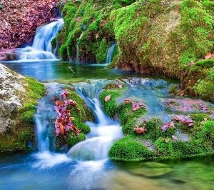 Алмазная живопись - мозаика Ручей в горах