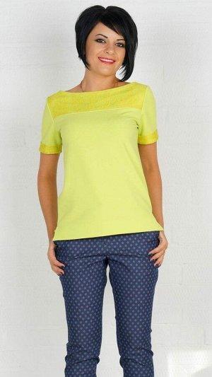 Блуза Блуза из трикотажного полотна. Вырез горловины лодочка. Верх блузы и рукава декорированы гипюром. Рукав короткий 20 см. Низ асимметричный. ДИ в 42-44 р 60 см, в 46-48 р 61 см, В 50-52 р 62 см. Р