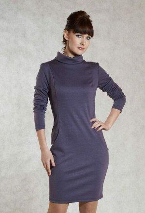 Платье Платье приталенного силуэта, выполнено из плотного трикотажного полотна сложного темно-сиреневого цвета. Невысокий воротник стойка с отворотом, длинный втачной рукав заужен к низу. Перед платья