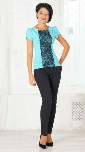 Блуза Блуза из трикотажа вискоза. С широким трикотажным кружевом чёрного цвета по центру. Без застёжки. ДИ 58см в 42 р. Рост модели 164 см., 42 размера.. Состав вискоза 95% эластан 5%. Материал Трик