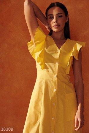 Желтое миди-платье на пуговицах