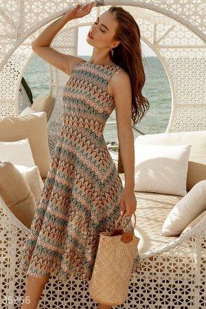 Трикотажное платье-миди a-силуэта