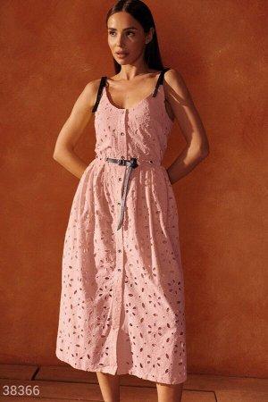 Розовый сарафан с вышивкой