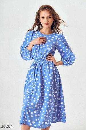 Голубое платье-миди в крупный горох