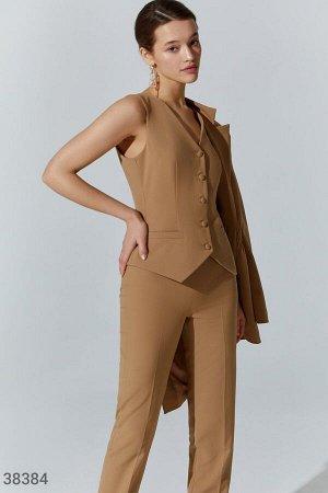 Gepur box с бежевым костюмом