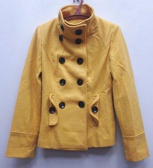 Пальто женское жёлтое