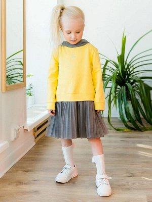 """Платье Дизайнерское платье из футера лимонного цвета для девочки в стиле """"спорт-шик"""". Модель из футера, имитация костюма - джемпера с капюшоном и юбки. Спереди - небольшой принт. Юбка двойная, верхний"""