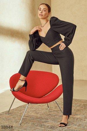 Лаконичные брюки черного цвета