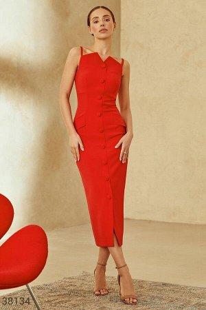 Эффектное платье-футляр красного оттенка