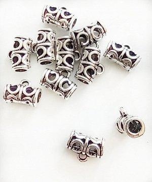 Бейл Завитки серебристый 11 х 6 мм. Отверстие 4 мм. Цвет: серебристый. Материал - сплав металлов. Цена за 1 шт.