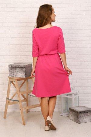 Платье Цвет: розовый; Состав: вискоза 65%, п/э 30%, 5% эластан; Материал: милано Трикотажное яркое платье приталенного силуэта. Платье без украшений и принтов с рукавами до локтя и небольшим округлым