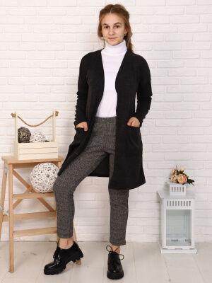 Кардиган Цвет: черный; Состав: пэ100%; Материал: трикотажное полотно Кардиган - универсальная вещь в гардеробе любой девочки! С платьем, с джинсами, в школе, на прогулке - наш кардиган везде будет уме