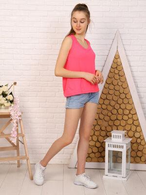 Майка Цвет: розовый; Состав: Хлопок 100 %; Материал: Кулирка Удобная и практичная женская майка неонового цвета, с округлым вырезом горловины, изготовленная из 100% хлопка. Отличный вариант как для по