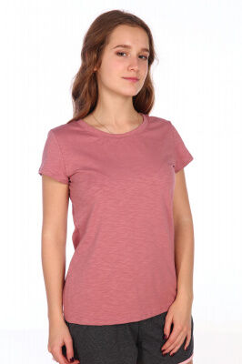 Футболка Цвет: розовый; Состав: хлопок 94%, лайкра 6%; Материал: Кулирка Уютная женская футболка из хлопка с добавлением лайкры. Цвет розовый. Подходит для дома и повседневной носки.