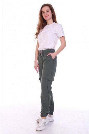 Брюки Состав: 70% хл, 25% пэ, 5% эластан; Материал: Футер двухнитка Сочетание этой модели брюк с аксессуарами и другими элементами одежды позволяют создать строгие, смелые и запоминающиеся аутфиты на