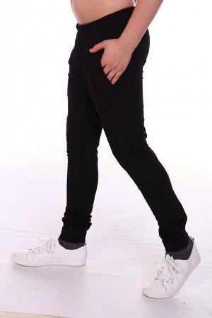 Брюки Цвет: черный; Состав: хлопок 72%, п.э. 20%, лайкра 8%; Материал: Футер двухнитка Брюки зауженные к низу. По бедрам посадка брюк - свободная. Пояс с эластичной тесьмой. В боковых швах брюк находя