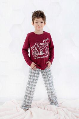 Пижама Цвет: бордо; Состав: Хлопок 100 %; Материал: Кулирка Ваш ребёнок непременно полюбит эту прелестную пижаму, в которой ему будет комфортно и уютно! Мягкая хлопковая пижама прекрасно садится по фи