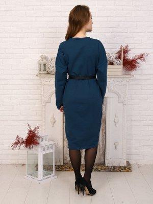 Платье Цвет: изумрудный; Состав: 75% хлопок, 20 % пэ, 5% лайкра; Материал: Футер Элегантное трикотажное платье прилегающего силуэта, длиной ниже уровня колен. Вырез горловины О-образный. Рукав спущенн