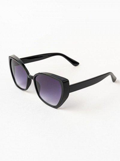 Новая коллекция  Испанского лета  — Лето 2021 — Солнечные очки