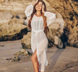 Женское платье, цвет белый