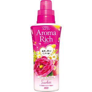 Кондиционер для белья LION SOFLAN AROMA RICH с богатым ароматом натуральных масел СКАРЛЕТТ (крышка с дозатором) аромат дамасской розы, мимозы, маракуйи, персика, 520 мл