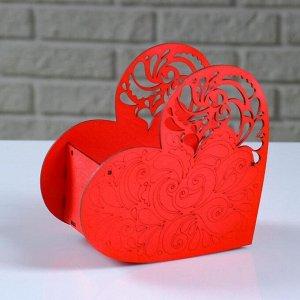 """Кашпо деревянное """"Сердце ажурное"""", красный, 18?8.6?14 см"""