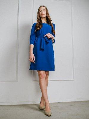 Платье Ткань: Барби Состав: эластан 20%, вискоза 40%, полиэстер 40% Сезон: Весна, Лето Цвет: синий  Женское платье прямого покроя. Рукав длиной чуть ниже локтя. В комплект входит пояс. Универсальный ф