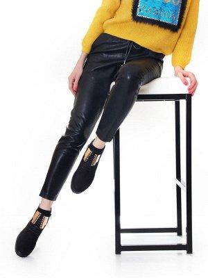 Ботинки Страна производитель: Турция Размер женской обуви x: 36 Полнота обуви: Тип «F» или «Fx» Вид обуви: Ботинки Сезон: Весна/осень Материал верха: Нубук Материал подкладки: Флис Высота каблука (см)