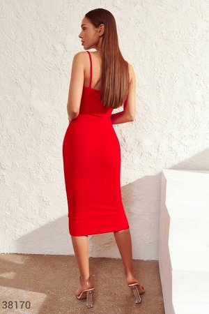 Красное платье-миди