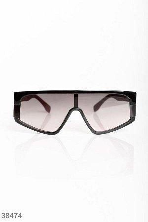 Трендовые очки с темными линзами