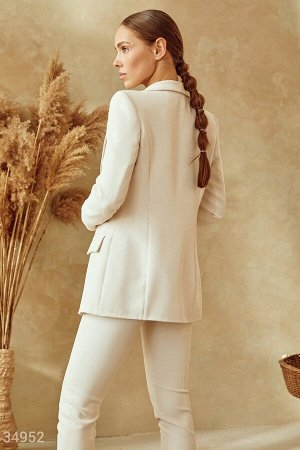 Классический пиджак оттенка слоновая кость